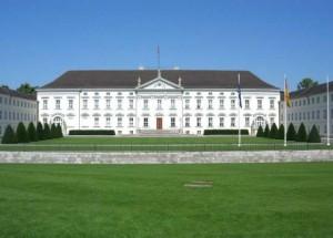 Schloss Bellevue (Foto: pixelio.de / Birgit)